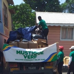 Distribution Team setting up in Dickson Village